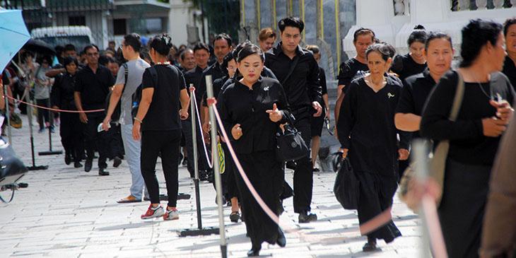 Tajlandia przygotowuje się do ceremonii pożegnania zmarłego króla Ramy IX